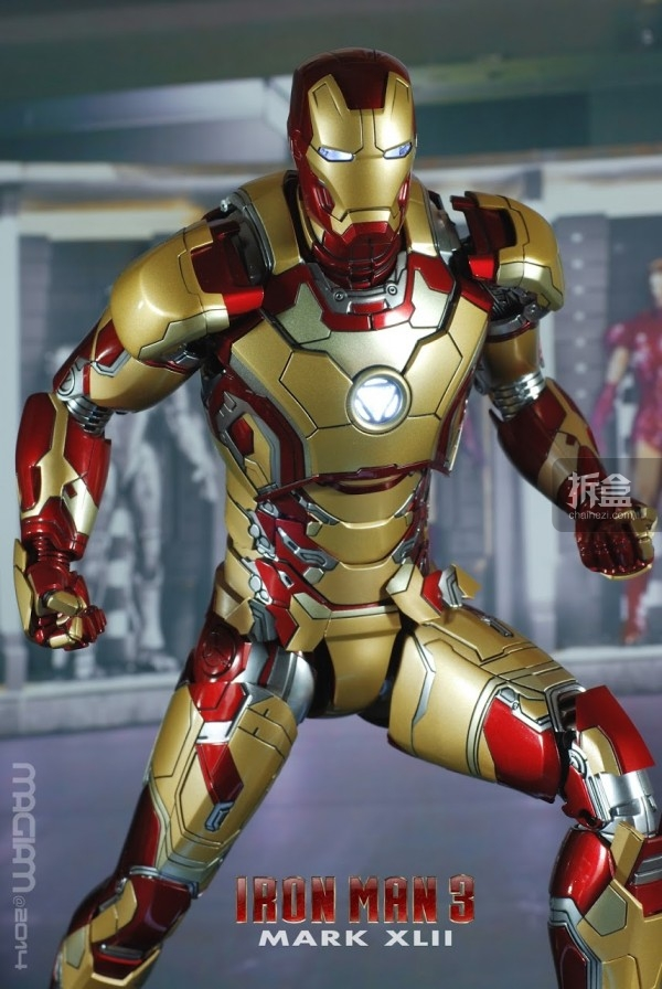 HotToys-mark42-magiam-014