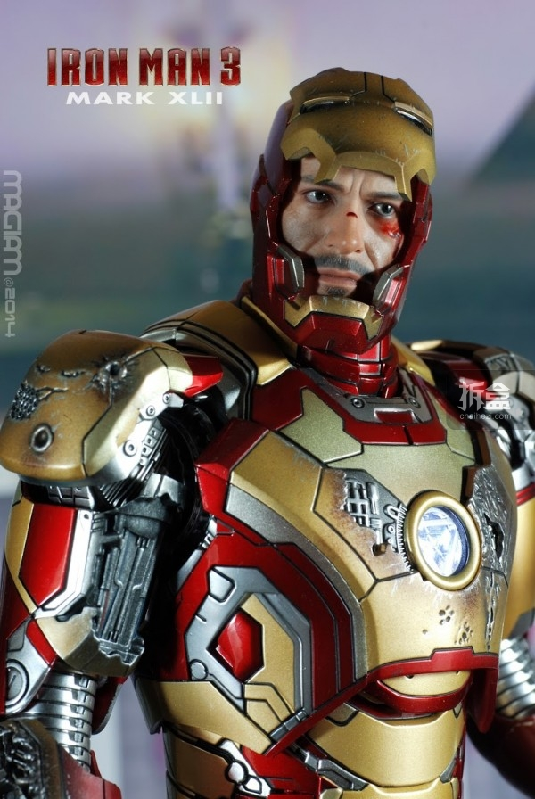 HotToys-mark42-magiam-015