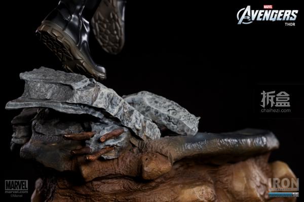 IronStudios-averagers-statue-THOR-018