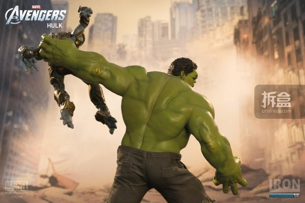 IronStudios-averagers-statue-hulk-020