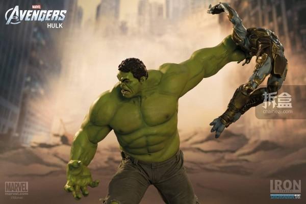 IronStudios-averagers-statue-hulk-021