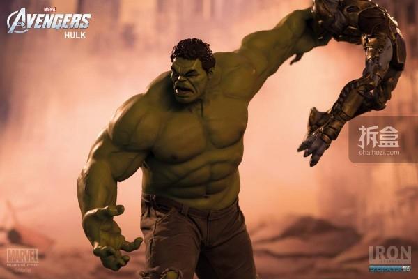 IronStudios-averagers-statue-hulk-024