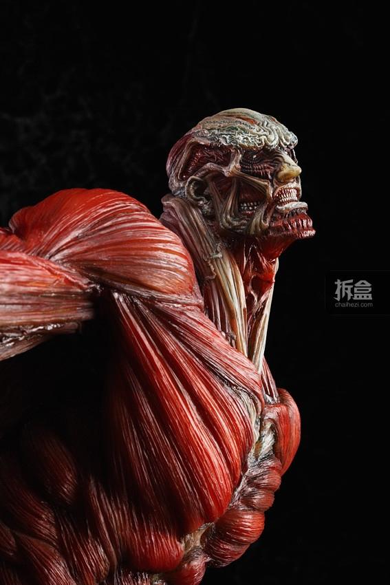 The-Colossus-Titan-TAKAYUKI-TAKEYA-Ver (5)