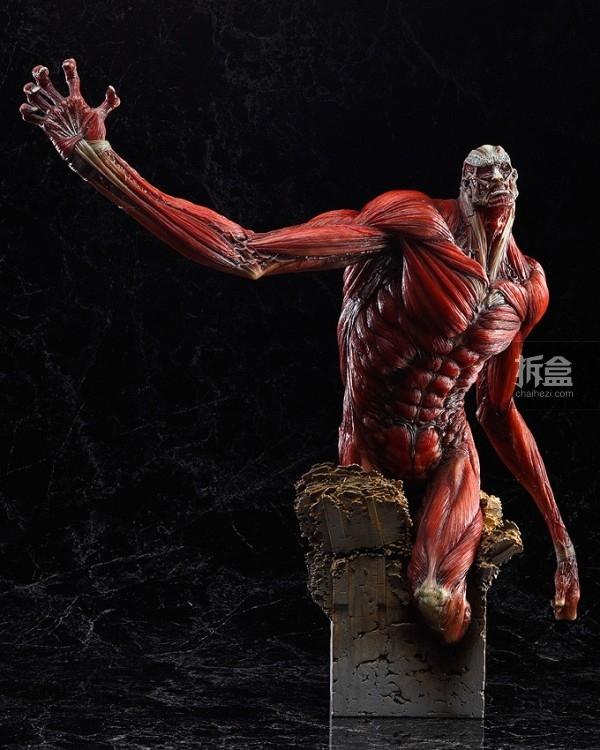 The-Colossus-Titan-TAKAYUKI-TAKEYA-Ver