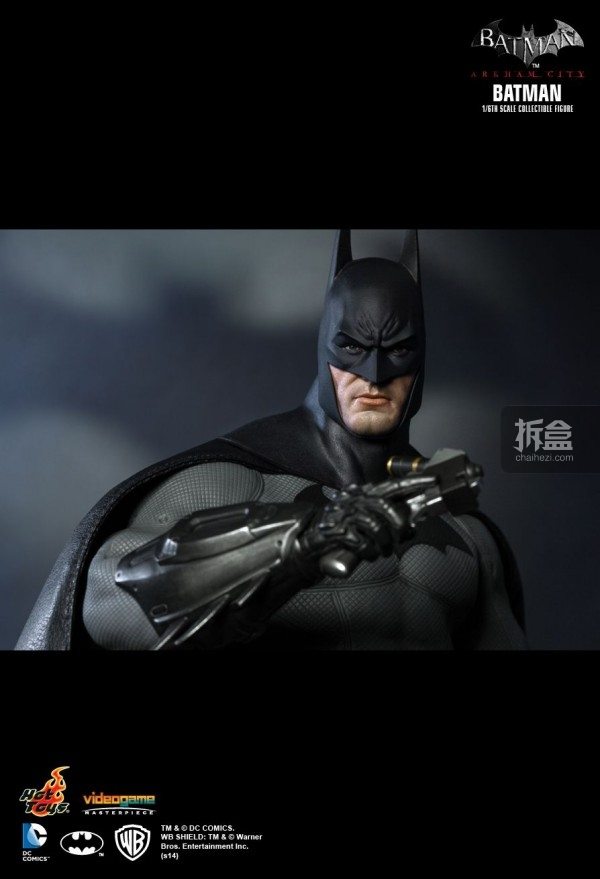 hottoys-ARKHAMCITY-BATMAN (12)