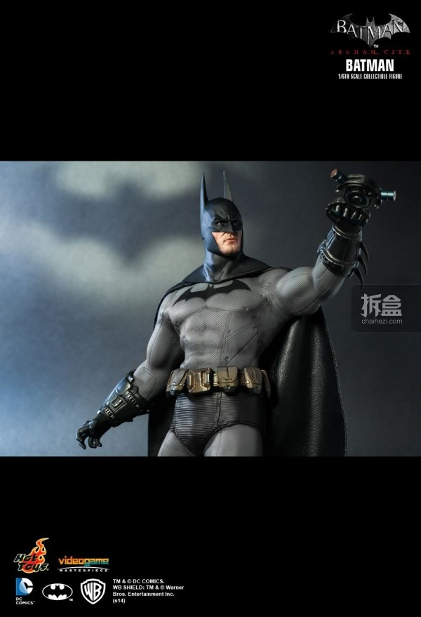 hottoys-ARKHAMCITY-BATMAN (13)