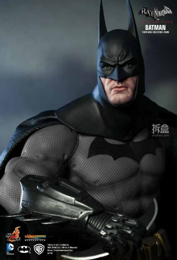 hottoys-ARKHAMCITY-BATMAN (15)