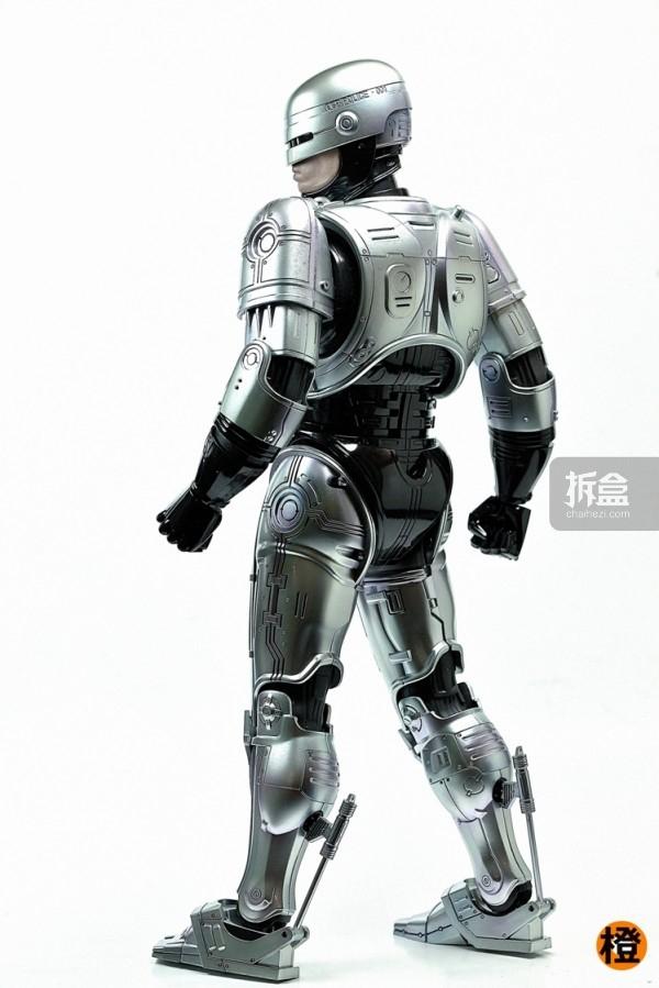 HT-robocop-peter (18)