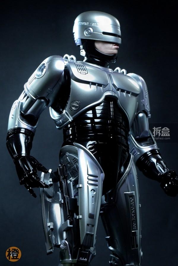 HT-robocop-peter (2)