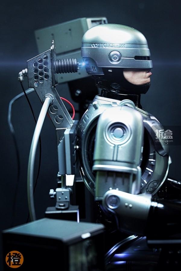 HT-robocop-peter (21)