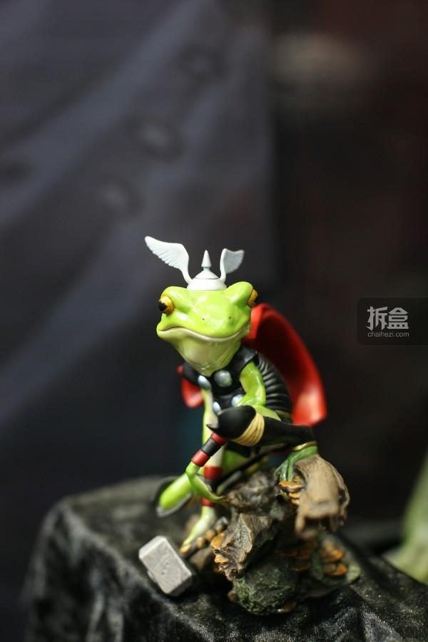 雷霆之蛙情景雕像 Thor Frog Diorama