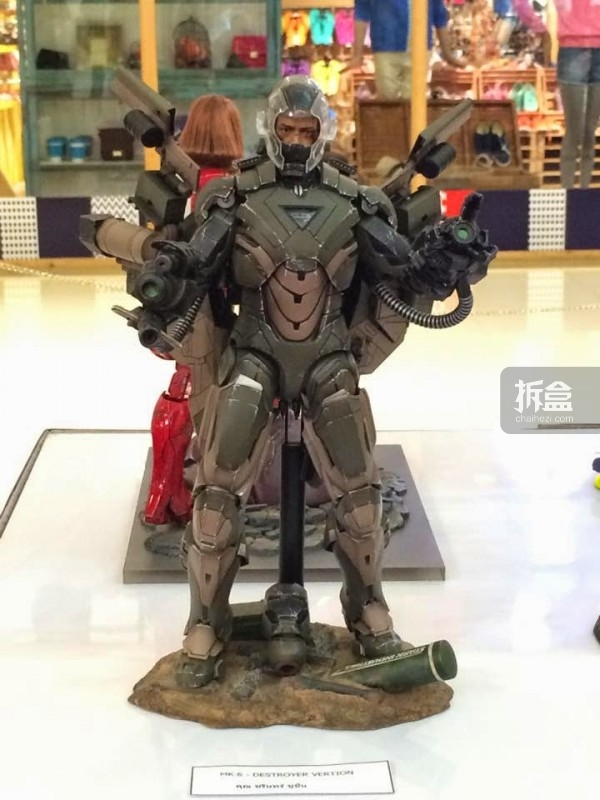 hot-toys-kingdom-come-1st-annual (25)