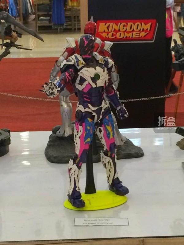 hot-toys-kingdom-come-1st-annual (35)
