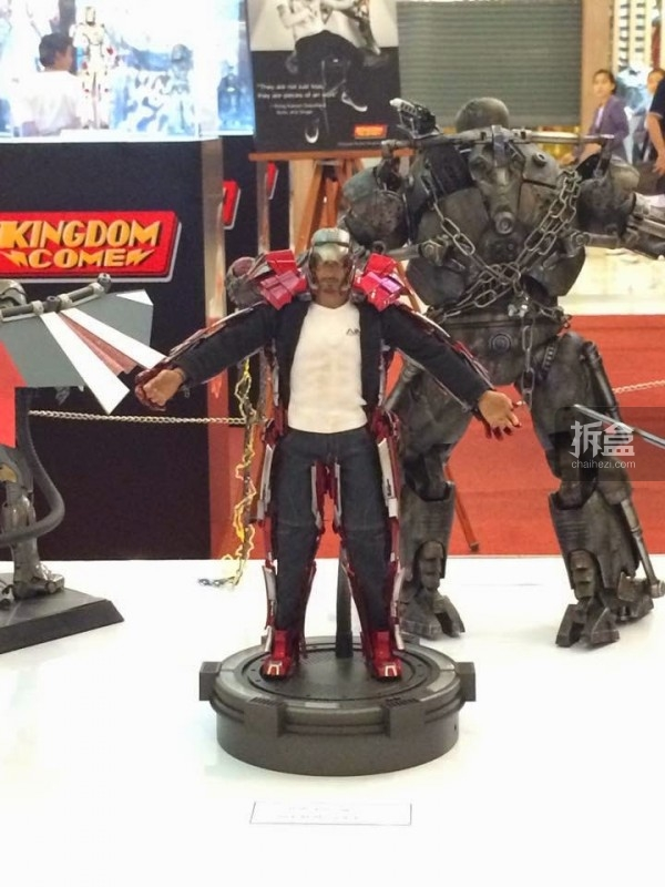 hot-toys-kingdom-come-1st-annual (73)