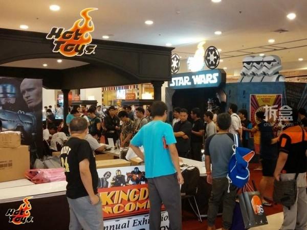 hot-toys-kingdom-come-1st-annual (8)