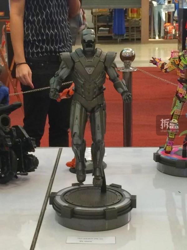 hot-toys-kingdom-come-1st-annual (90)