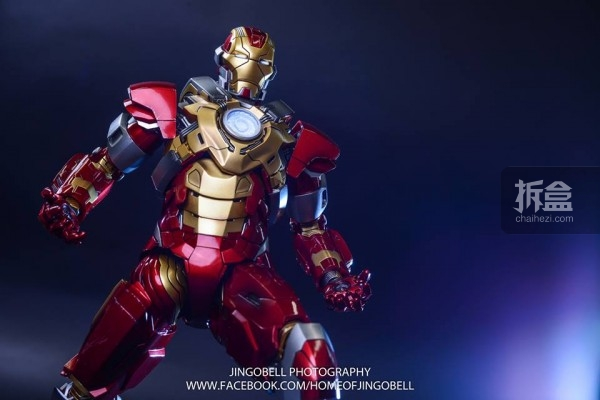 hottoys-ironman-Mark17-Jingobell-11