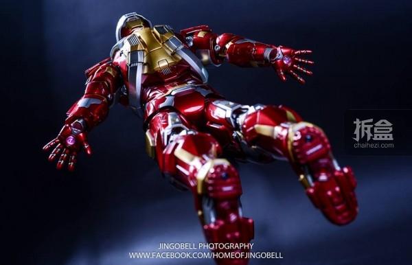 hottoys-ironman-Mark17-Jingobell-22