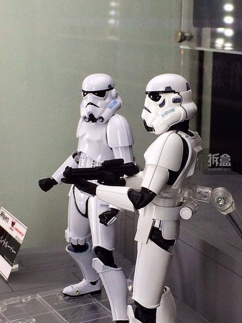 SHF-starwars-darth-Stormtrooper (6)