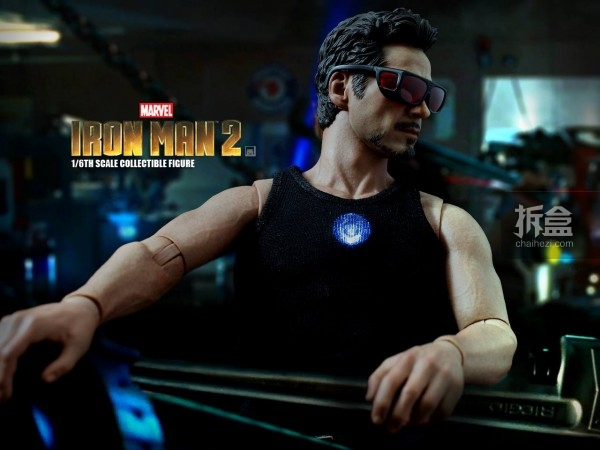 HT-Tony Stark with Arc Reactor-bing-008
