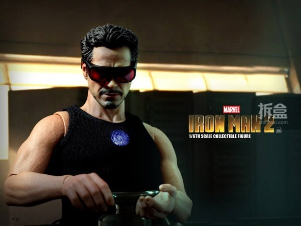 HT-Tony Stark with Arc Reactor-bing-011