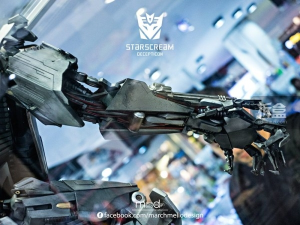 P1S-starscream--statue-showcase-012