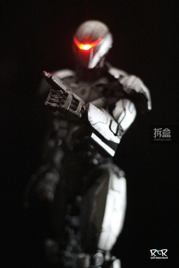 ThreeZero-RobocopEM-208–Review-016