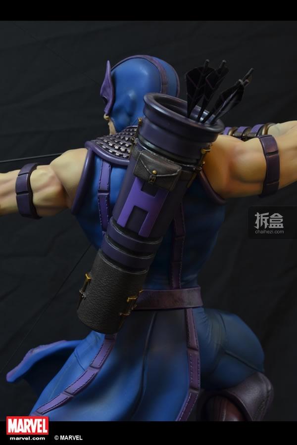 XM-HAWKEYE-statue (6)