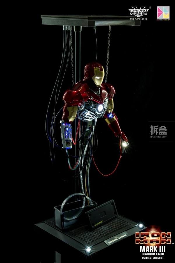 HotToys-ironman-mark3-construction-dickpo-001