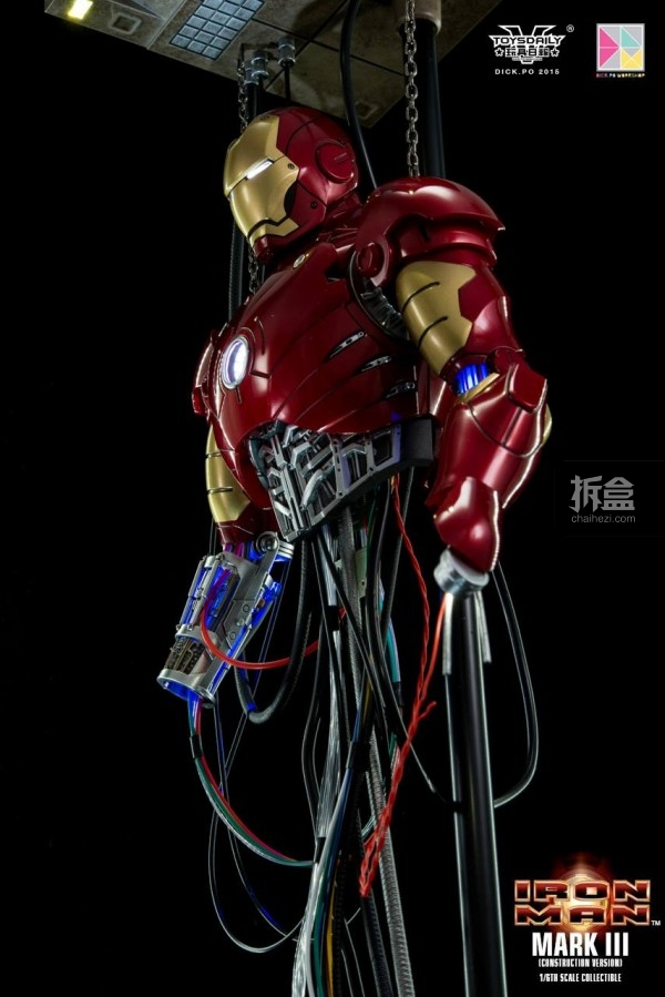 HotToys-ironman-mark3-construction-dickpo-005