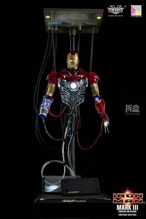 HotToys-ironman-mark3-construction-dickpo-013