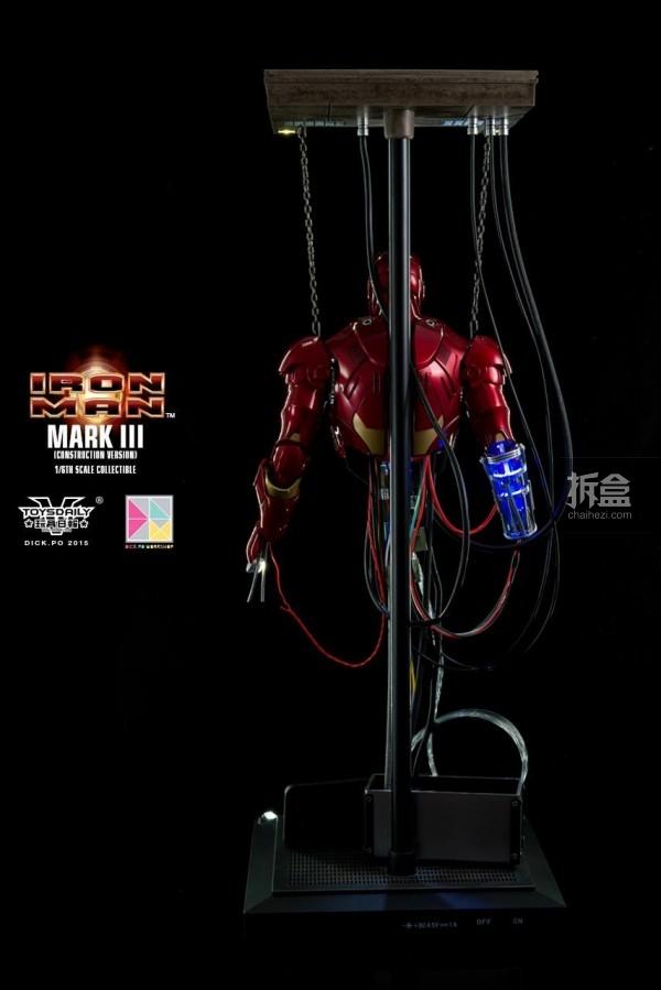 HotToys-ironman-mark3-construction-dickpo-016