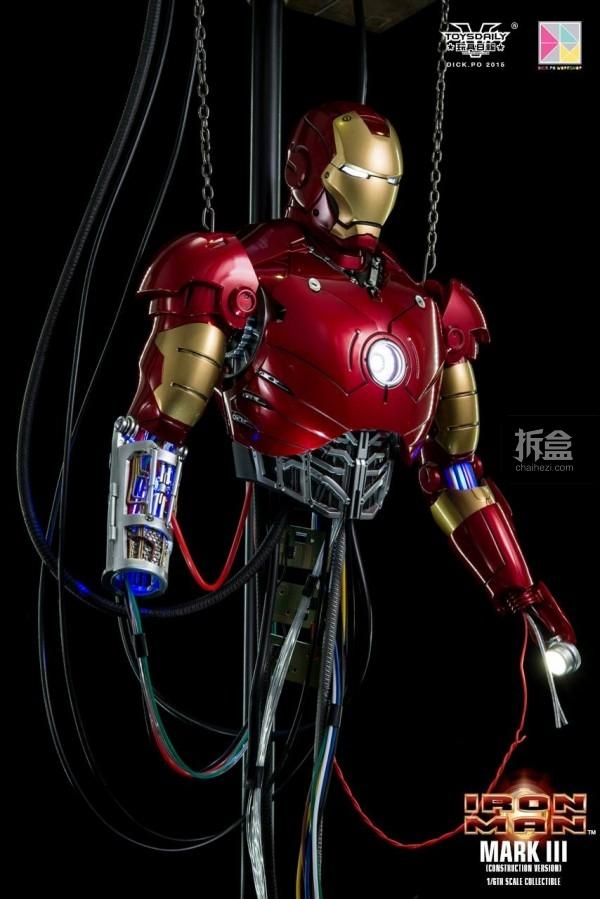 HotToys-ironman-mark3-construction-dickpo-019