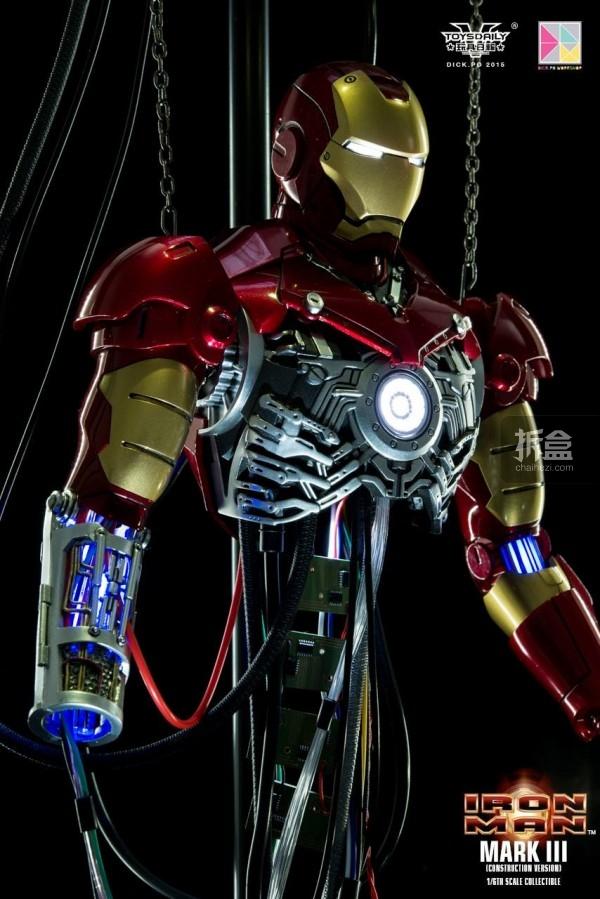 HotToys-ironman-mark3-construction-dickpo-024