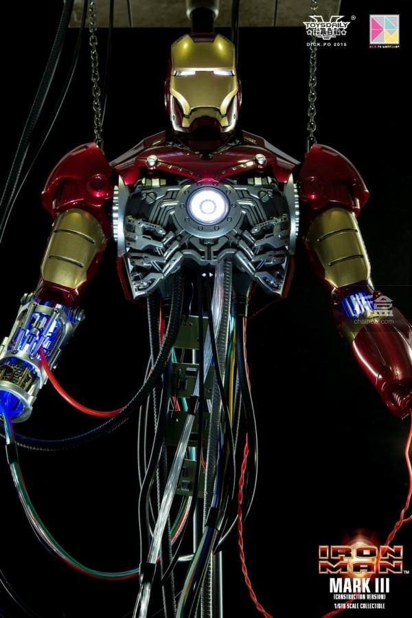 HotToys-ironman-mark3-construction-dickpo-031