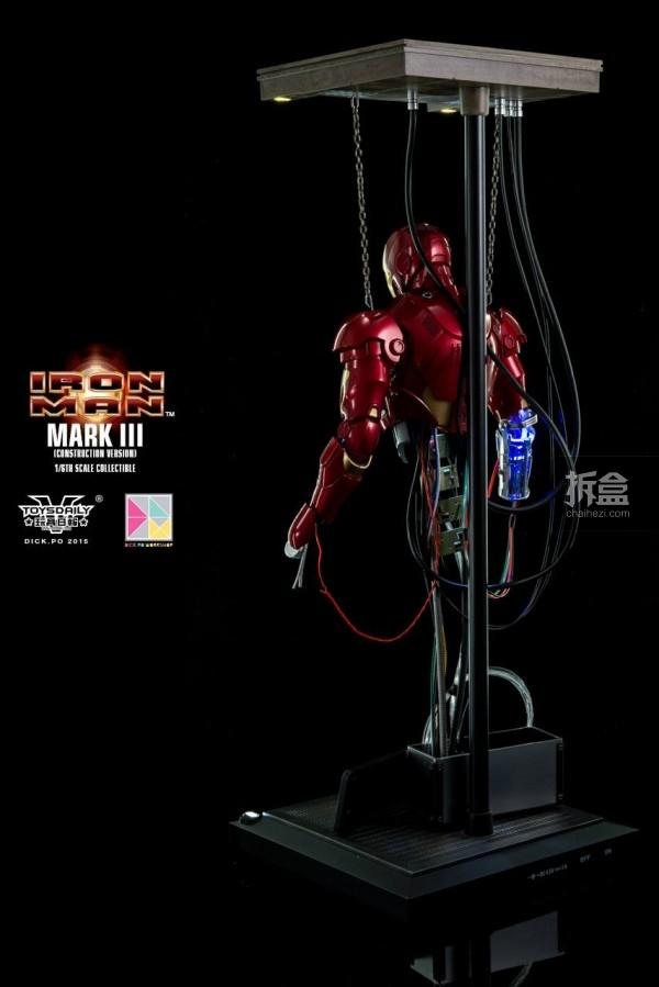 HotToys-ironman-mark3-construction-dickpo-032