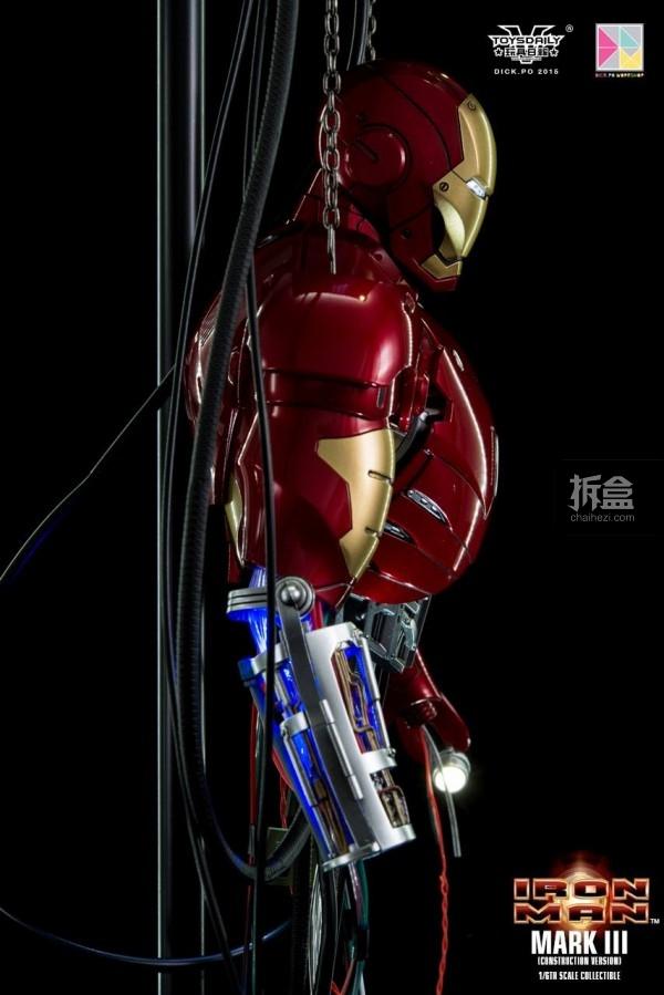 HotToys-ironman-mark3-construction-dickpo-033