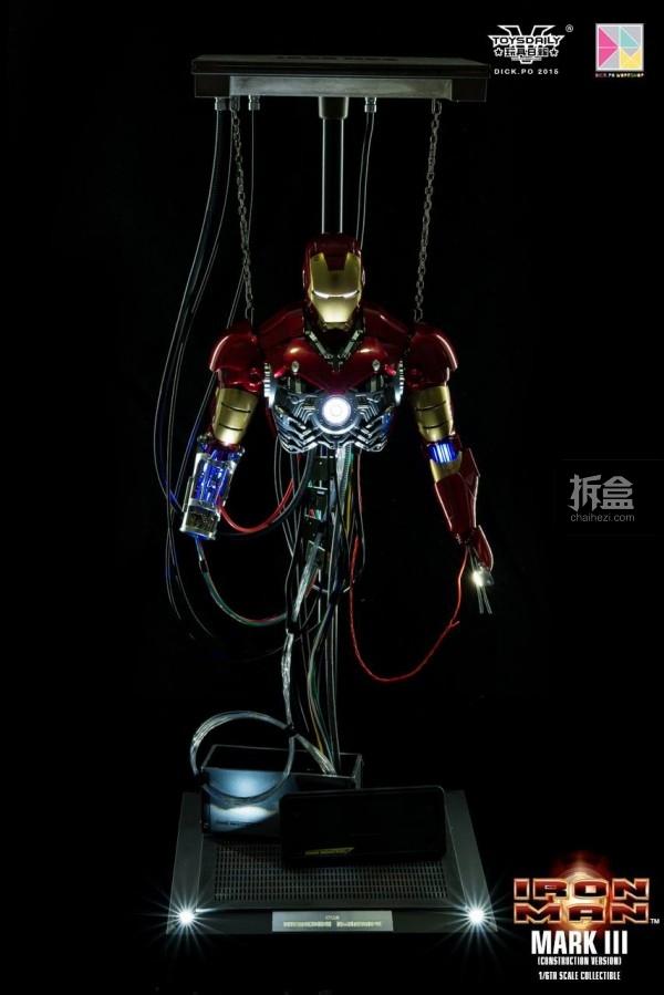 HotToys-ironman-mark3-construction-dickpo-035