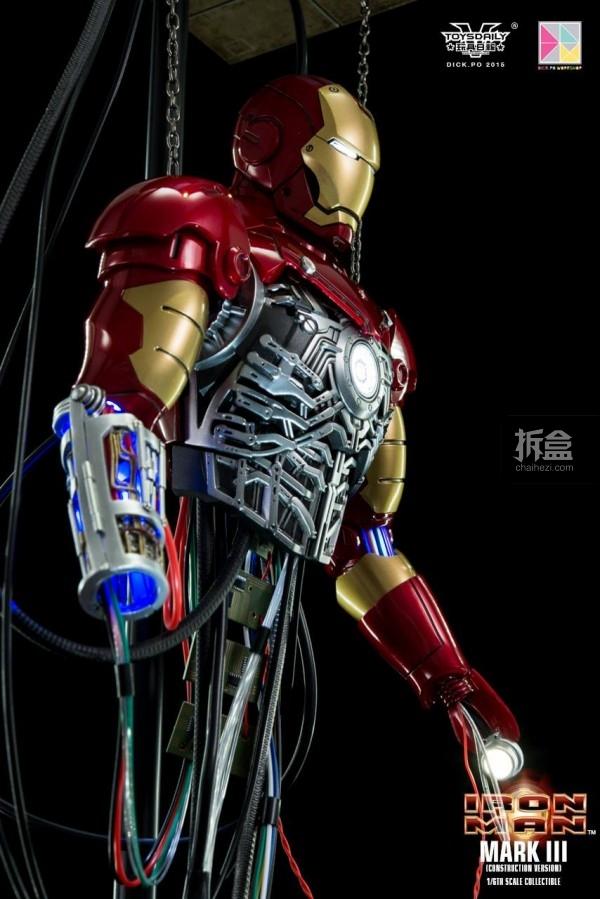 HotToys-ironman-mark3-construction-dickpo-037