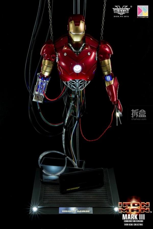HotToys-ironman-mark3-construction-dickpo-040