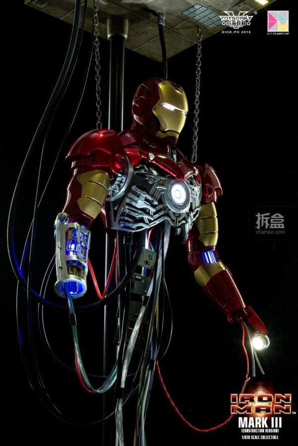 HotToys-ironman-mark3-construction-dickpo-046