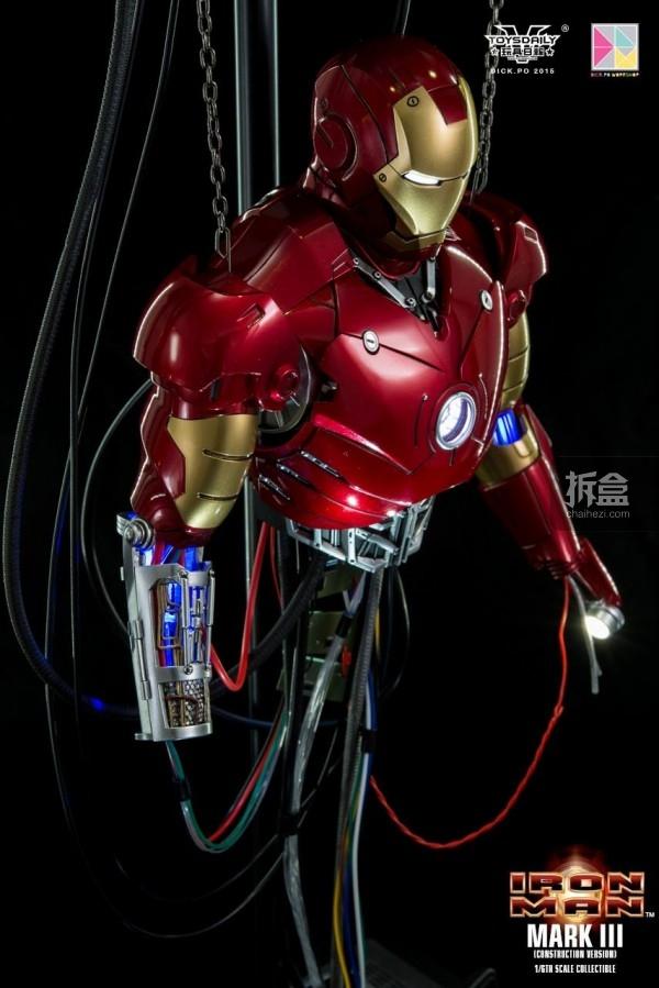 HotToys-ironman-mark3-construction-dickpo-048