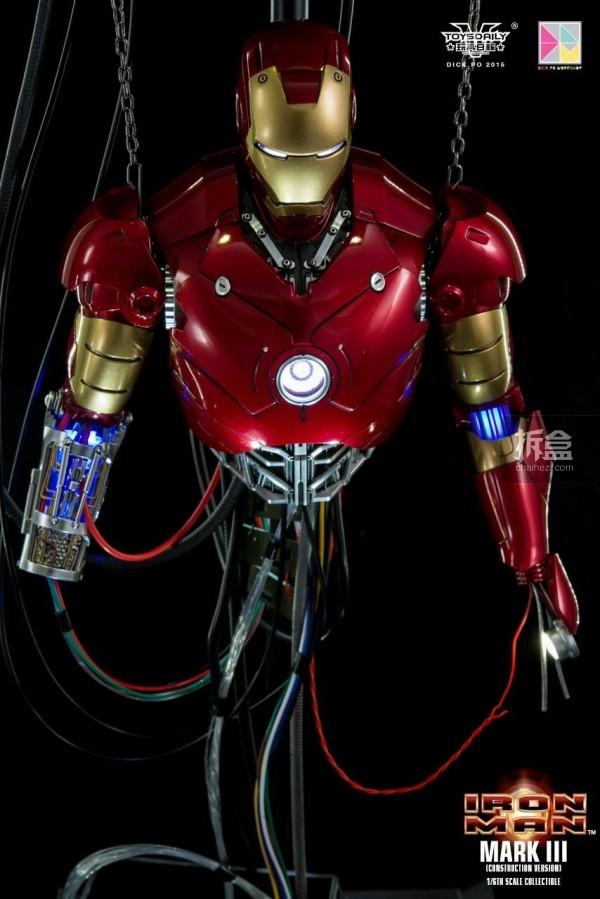 HotToys-ironman-mark3-construction-dickpo-050