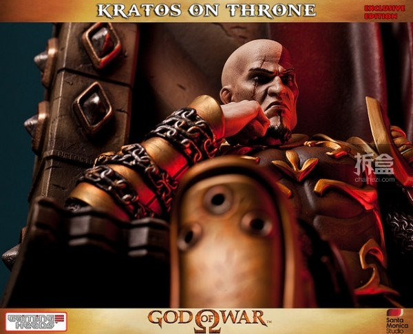 gamingheads-Kratos on Throne-statue (12)
