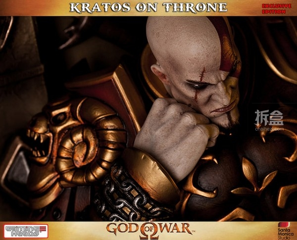 gamingheads-Kratos on Throne-statue (16)