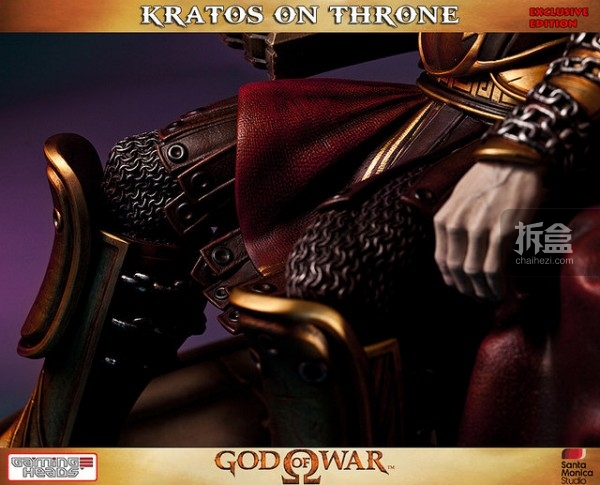 gamingheads-Kratos on Throne-statue (22)
