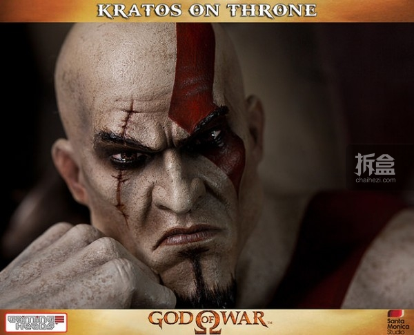 gamingheads-Kratos on Throne-statue (3)