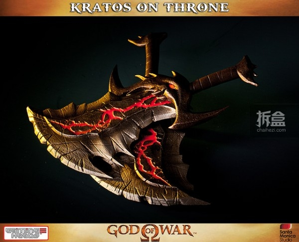 gamingheads-Kratos on Throne-statue (4)