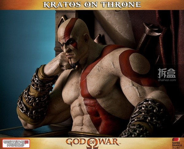 gamingheads-Kratos on Throne-statue (7)