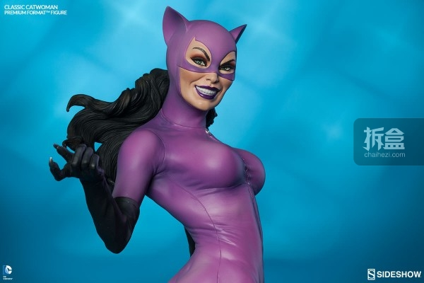 sideshow-Classic Catwoman-PF-figure (3)